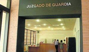 Un año de cárcel y multa para los tres agresores de dos policías locales de Calamonte